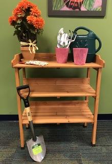 Gorgeous Garden Table & Accessories