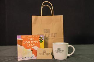 Fulton Street Books Gift Set