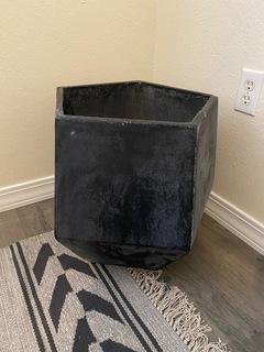 Dark Gray Pentagon Pot