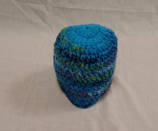 Hat: turquoise multi