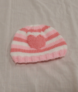 Child's hat: pink with heart