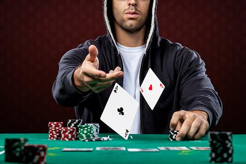 Knollwood Poker Club