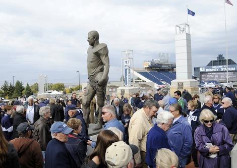 RT.Statue.0171.jpg