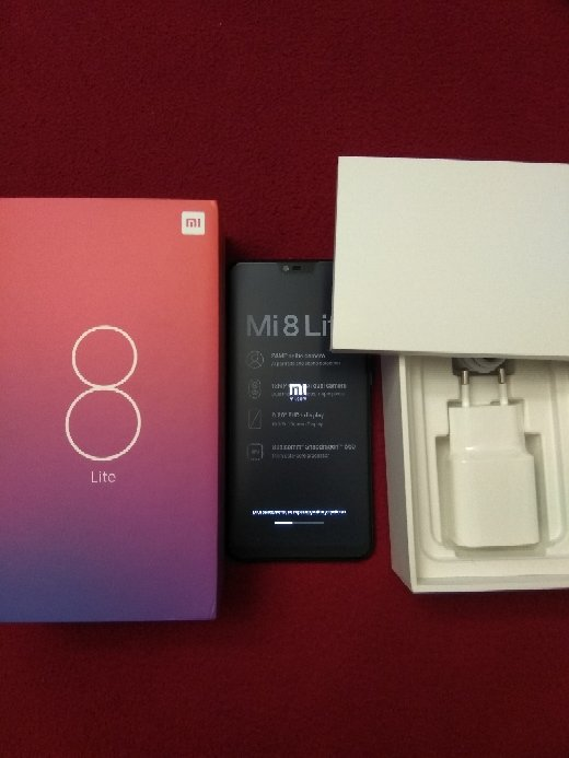 Xiaomi Mi 8 Lite 6.26 Inch 4G LTE Smartphone Snapdragon 660 4GB 64GB 12.0MP+5.0MP Dual Rear Cameras MIUI 9 Touch ID Type-C Fast Charge Global Version - Dream Blue