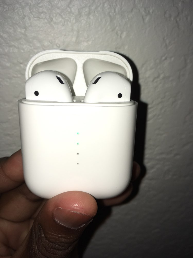 i10 TWS Bluetooth 5.0 Earbuds Tap Control Automatically Pairing - White