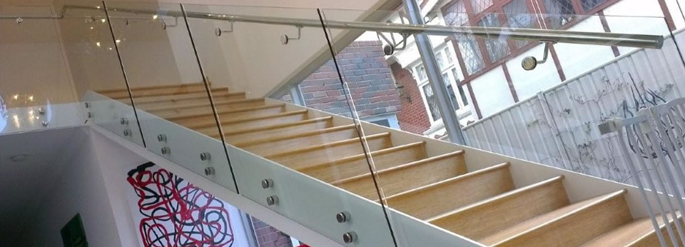 topless bottomless glass railing stairs