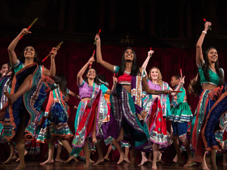 Students dancing for Rangila 2018