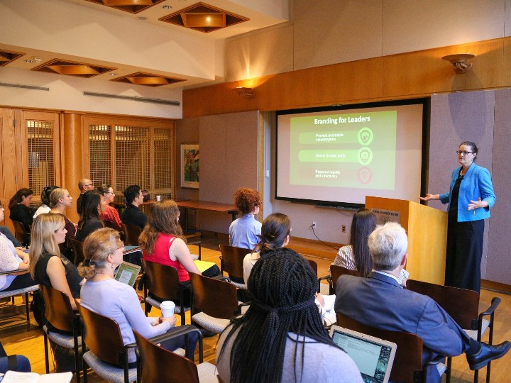 Global Health Security Seminar Series Launches with a Talk by Global Health and Biosecurity Expert