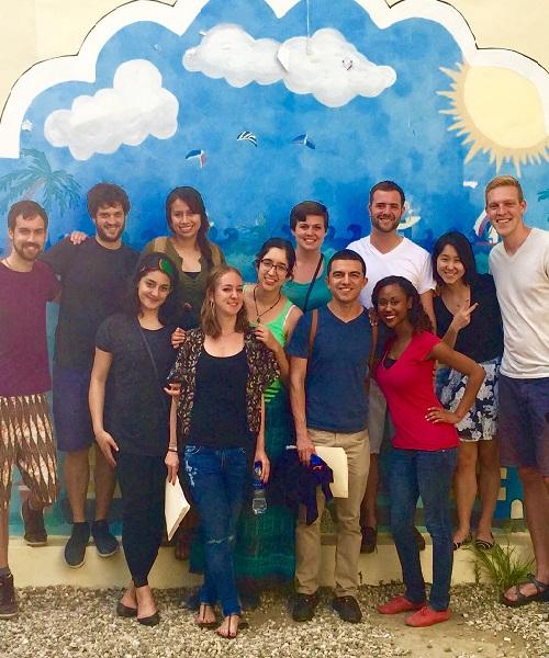 Estudiantes de McCourt Implementan Políticas en Centroamérica