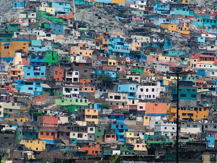 A hillside of houses in Lima, Peru