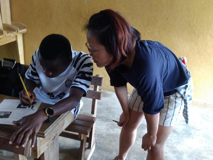 Ivy Wang (C'20) teaching English to high schoolers in Ivory Coast.