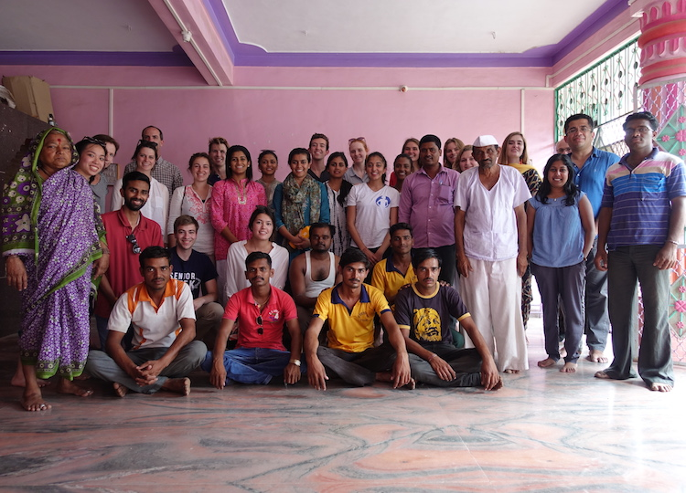 India Innovation Lab students meet with farmers and politicians in Ahmednagar, Maharashtra