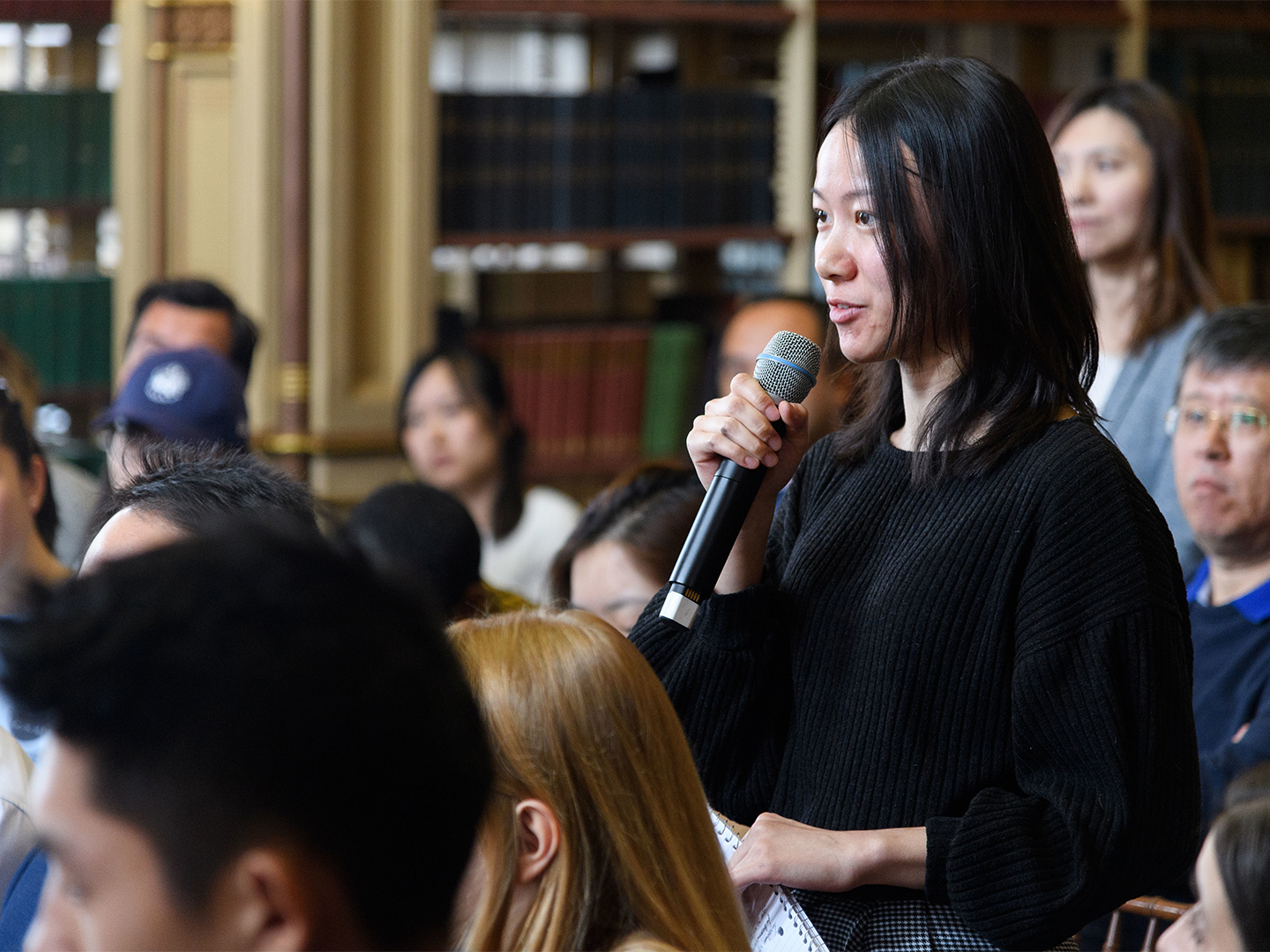 Georgetown student, Ruolin Zhao, poses a question on educational reform in China.