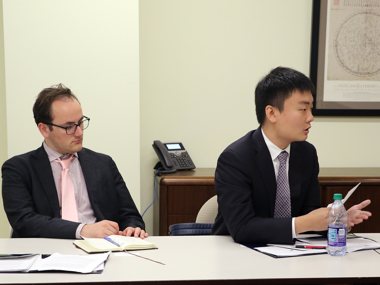 Student Fellow Ruihan Huang asking Craig Allen about China's business development