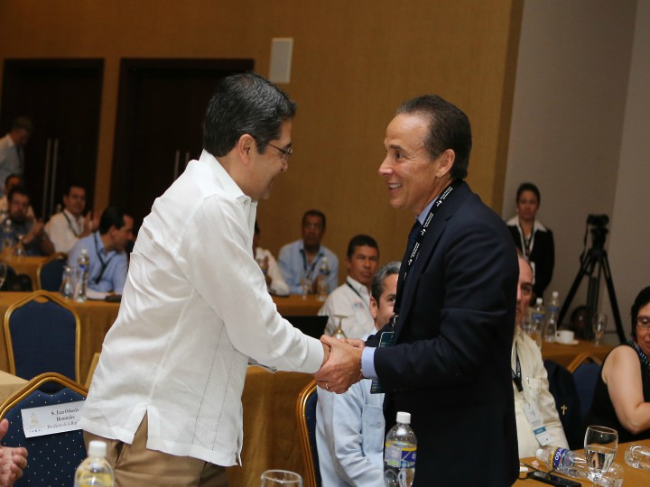 Profesor Ernst y el Presidente de Honduras