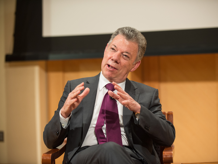 Former president of Colombia Juan Manuel Santos speaks in Lohrfink Auditorium.