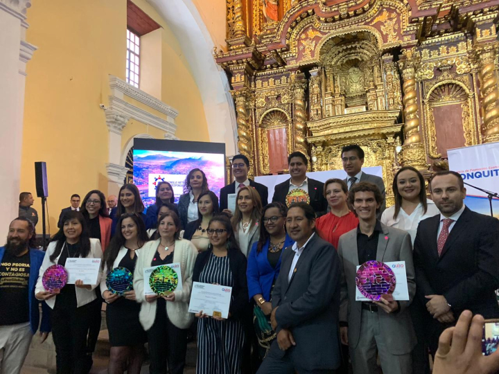 """Francisco Abad and the rest of the award winners, """"Quito Responsable y Sostenible 2019"""""""""""