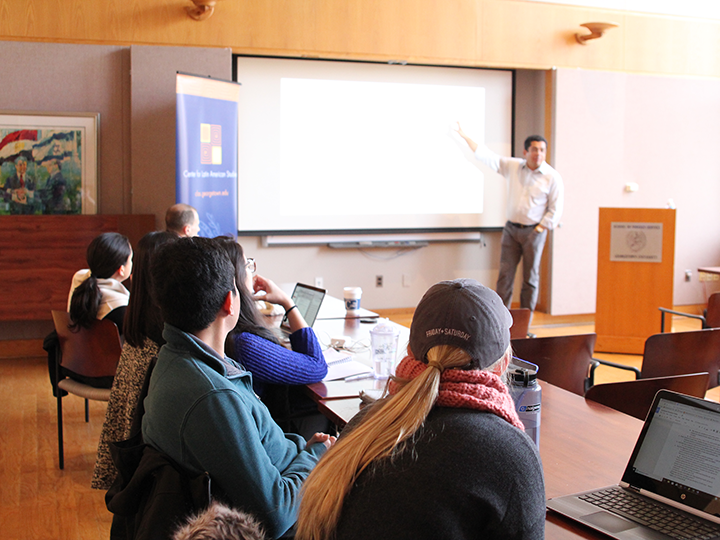 Professor Irfan Nooruddin giving a lecture.
