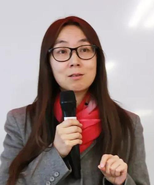 Li Ying headshot