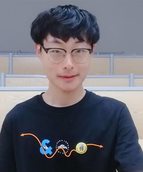 Mingqi Zhou portrait