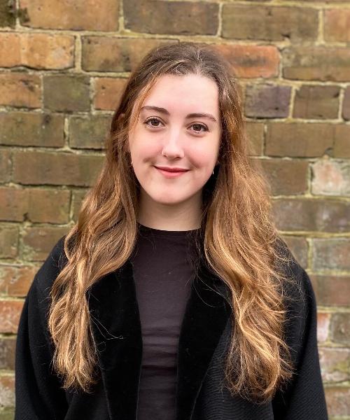 Emma Morris headshot