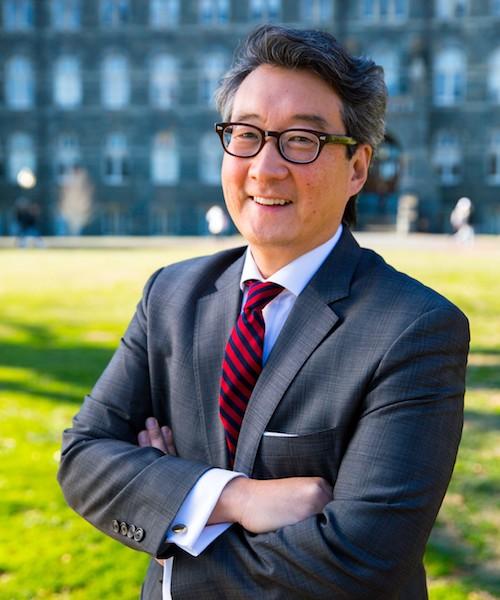 Victor Cha headshot
