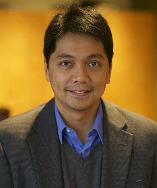Erwin Tiongson headshot