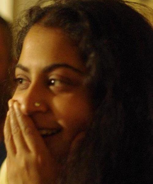 Ananya Chakravarti headshot