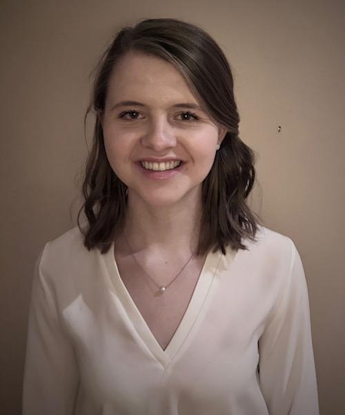Emily Graul headshot