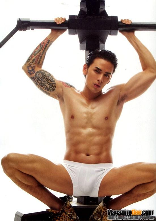Modela bikinazo Lis Vega y alborota la hormona de sus fans