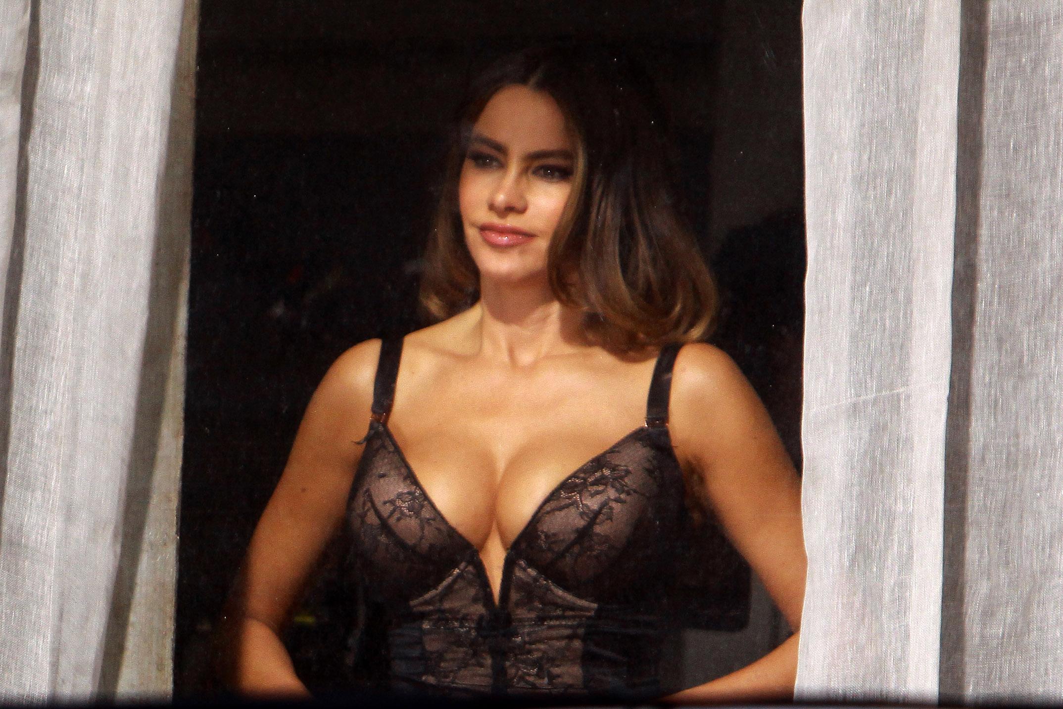 Actrices Colombianas Tetonas 10 famosas que revelaron la talla de su brasier, una
