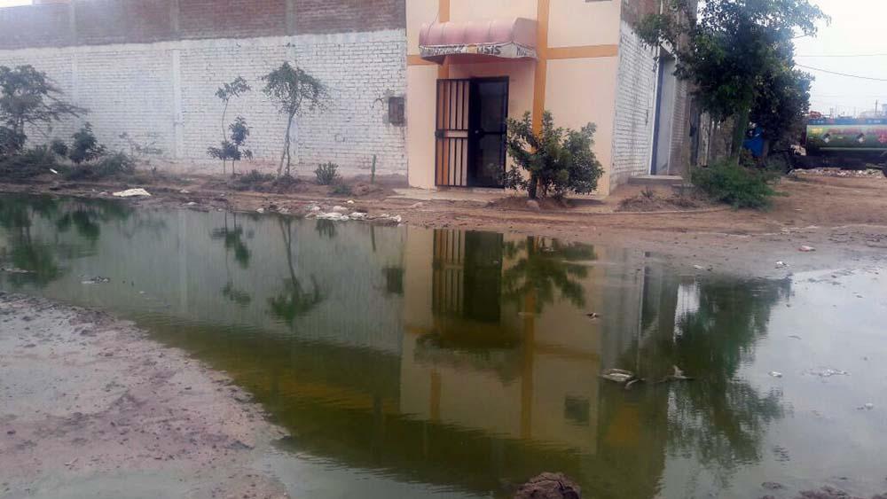 Desagüe colapsado en Chiclayo.