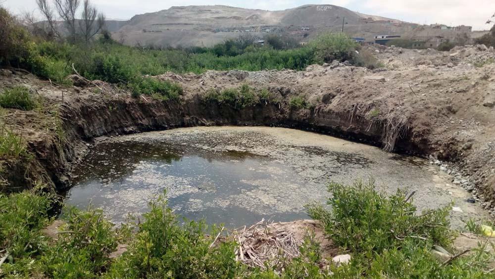 Río contaminado en Ilo.
