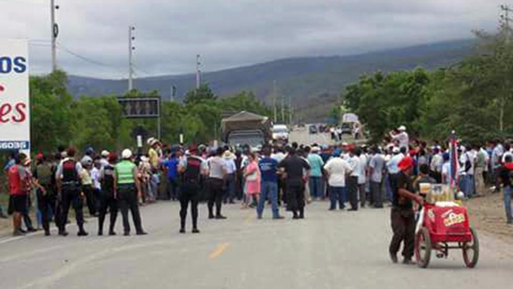 Campesinos paralizaron vía Fernando Belaunde Terry en Amazonas.