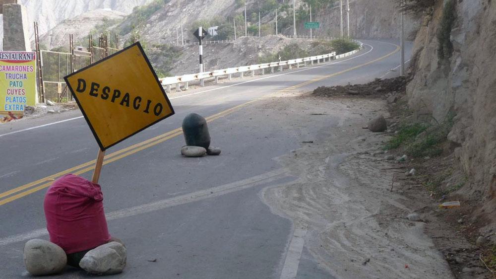 Vía a Lunahuaná parcialmente bloqueada.