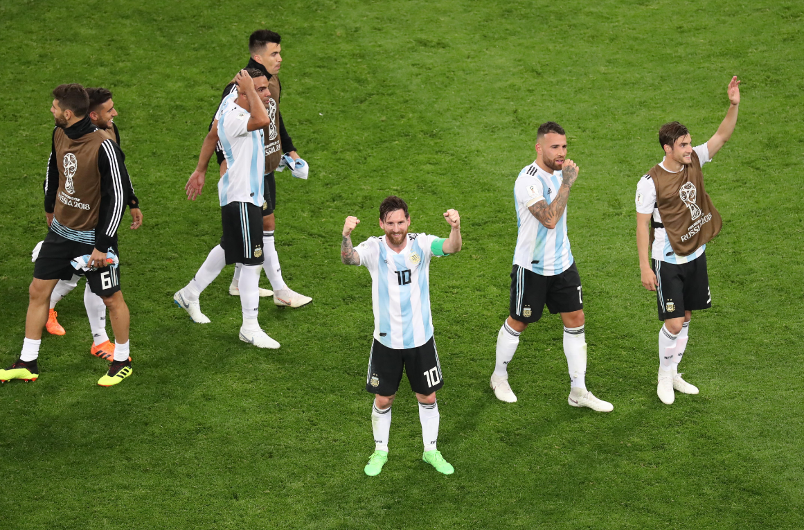 Image Result For Chile Vs Argentina En Vivo Gratis Tarjeta Roja