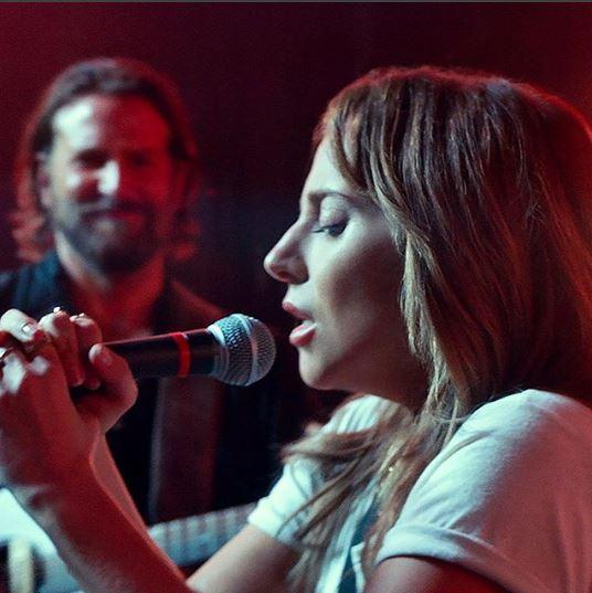 """Lady Gaga y Bradley Cooper en la película """"A Star is Born"""""""