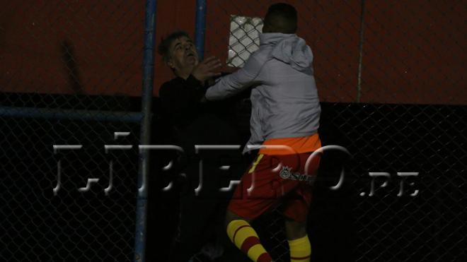 Grioni-pelea-huancayo4