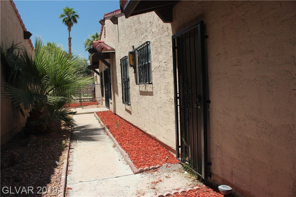 4203 Blue Heron Ct Las Vegas, NV 89121 - Photo 3