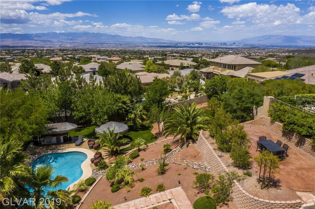 20 Pine Hollow Dr Henderson NV 89052