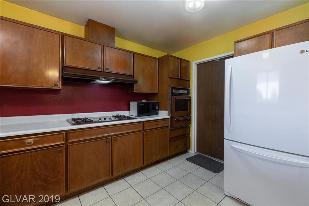 325 Analisa Ln Las Vegas, NV 89145 - Photo 9