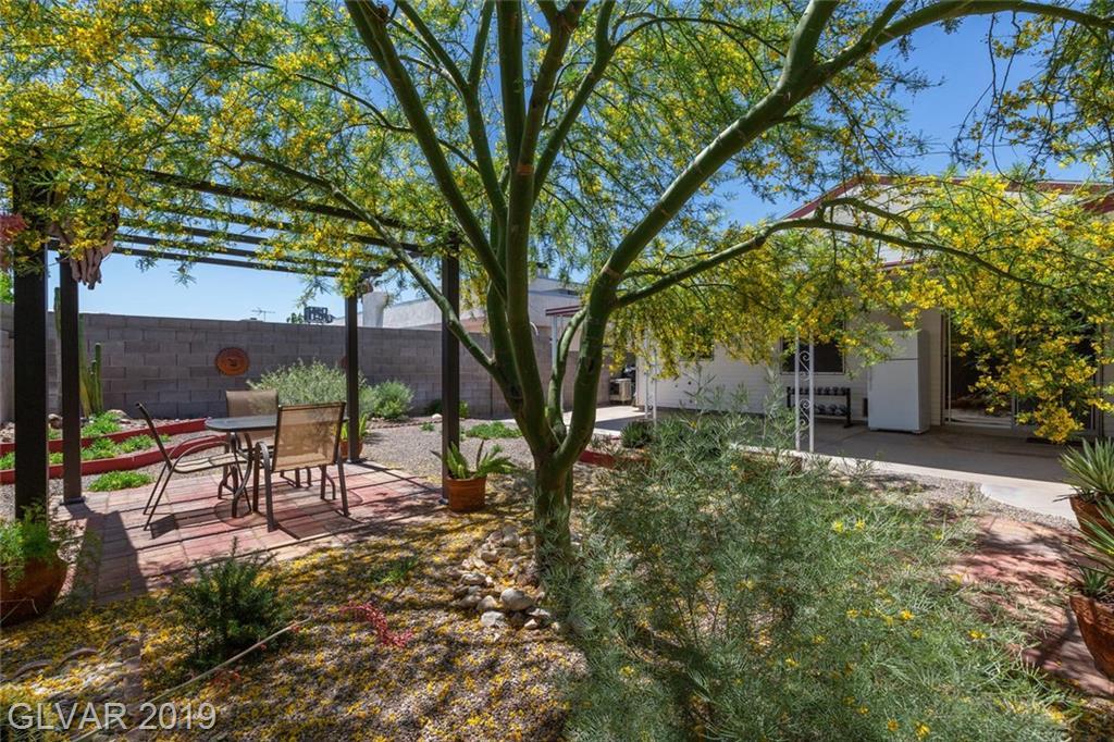 325 Analisa Ln Las Vegas, NV 89145 - Photo 23