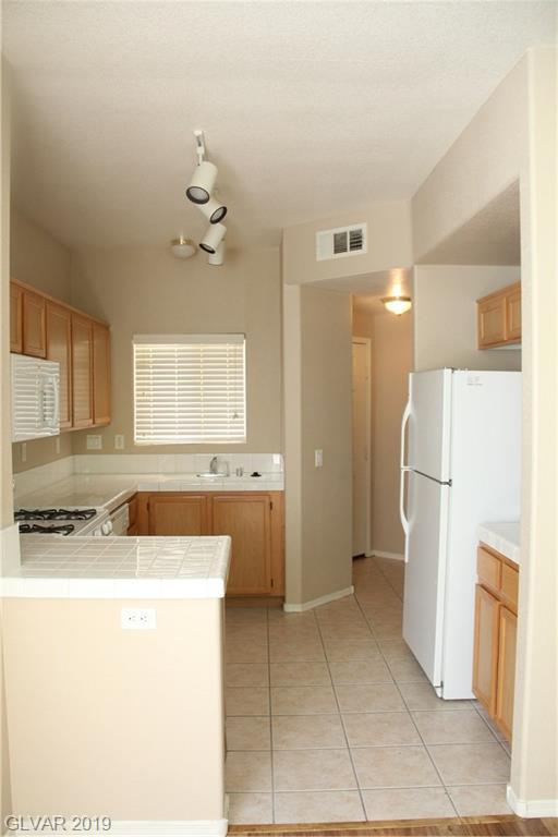 1050 East Cactus Ave 2037 Henderson, NV 89183 - Photo 6