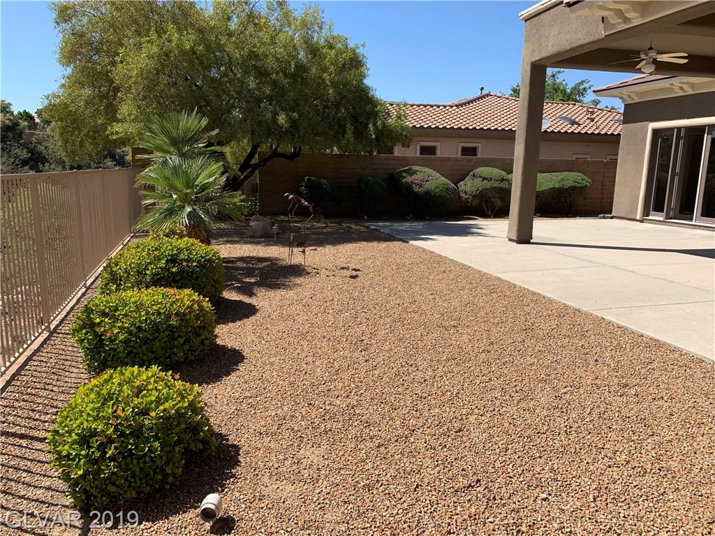 27 Plum Hollow Dr Henderson, NV 89052 - Photo 18