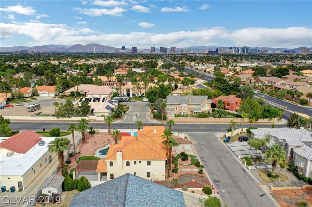 7210 Birkland Ct Las Vegas, NV 89117 - Photo 4