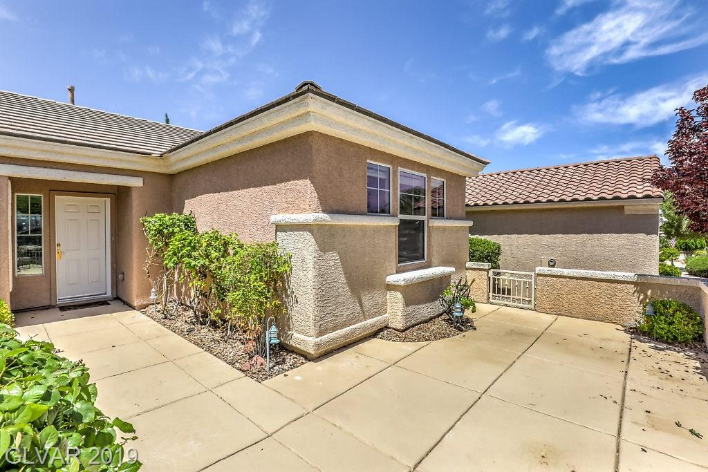 2811 Meadow Park Ave Henderson, NV 89052 - Photo 2
