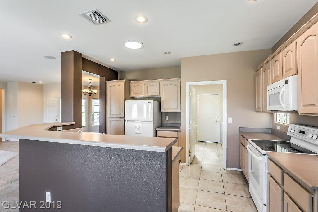 2811 Meadow Park Ave Henderson, NV 89052 - Photo 8
