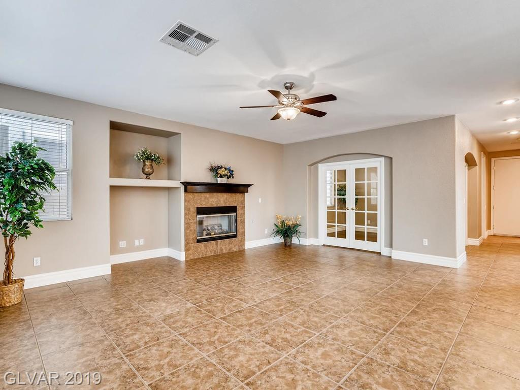 1820 Country Meadows Dr Henderson, NV 89012 - Photo 4