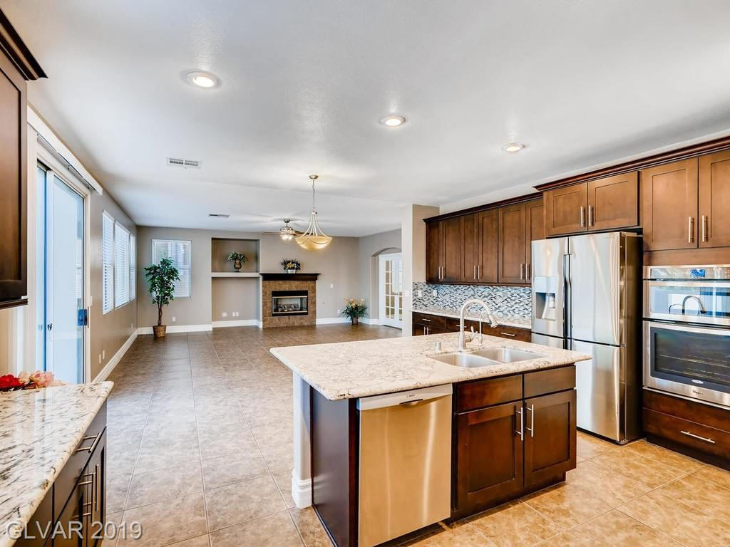 1820 Country Meadows Dr Henderson, NV 89012 - Photo 8