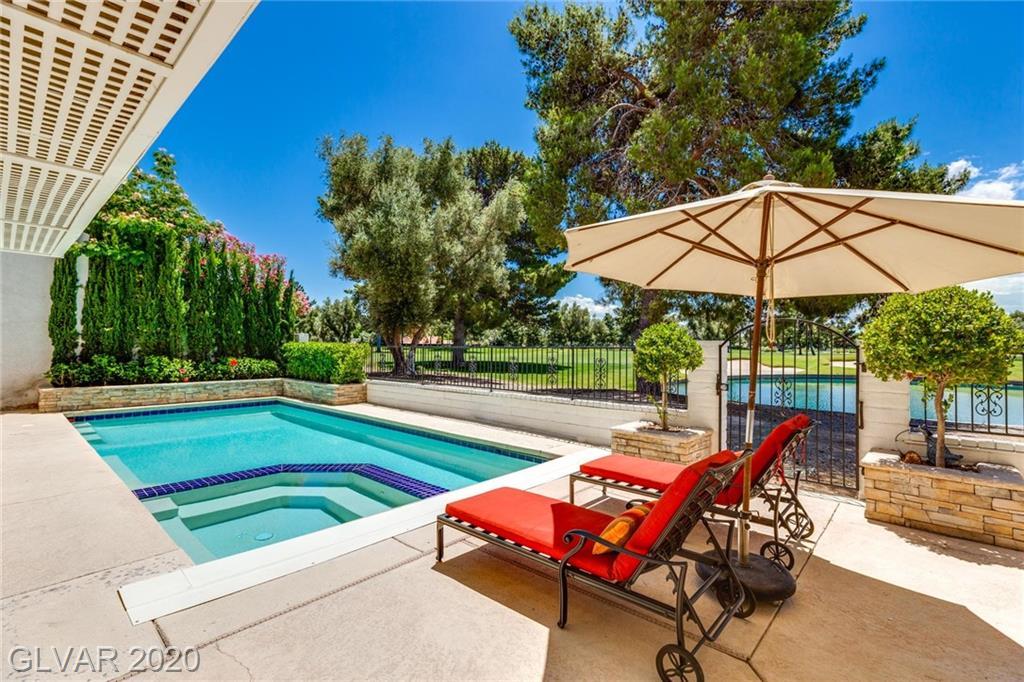 Las Vegas Country Club - 2839 Queens Courtyard Dr
